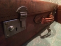 Vintage leather suitcase - picture 1