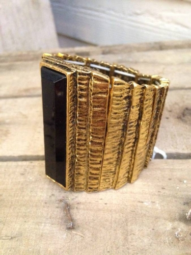Chunky gold cuff. Spanish collection