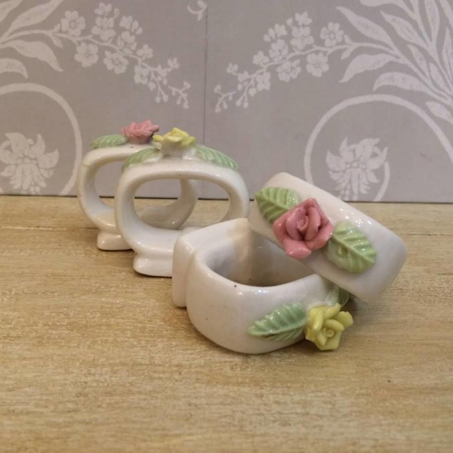 Set of 6 porcelain napkin rings