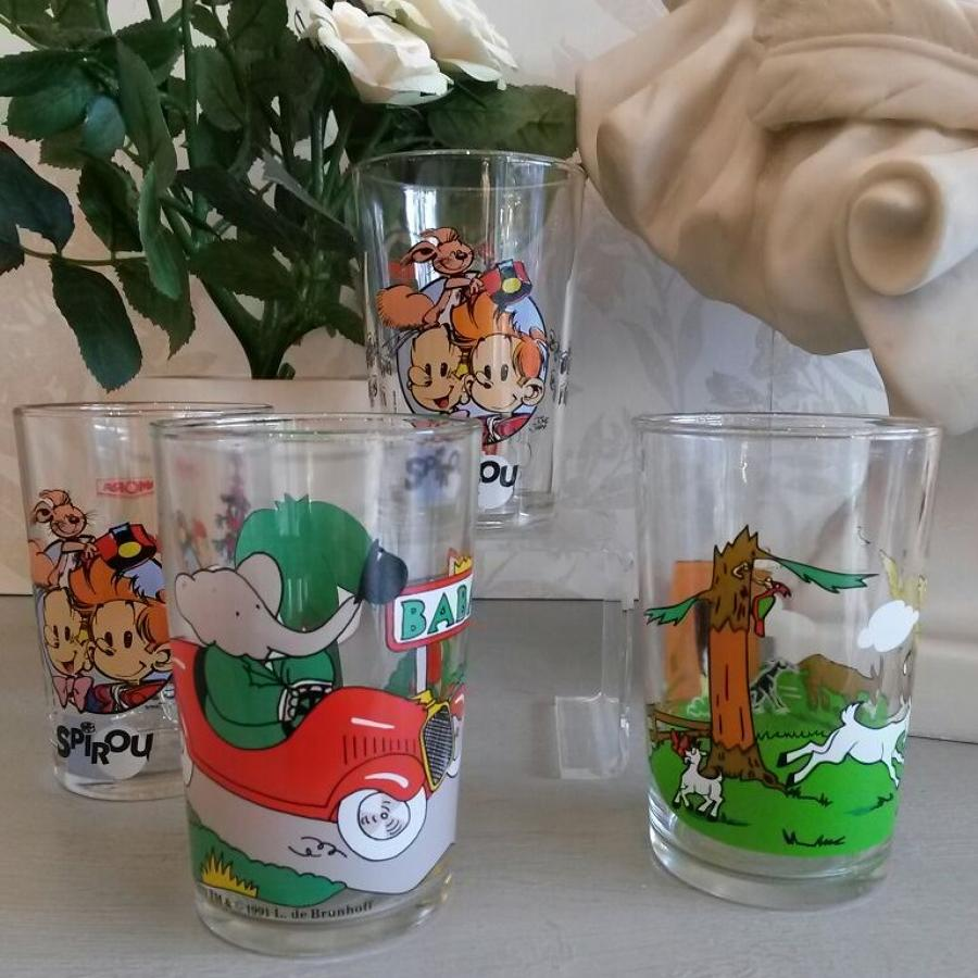 Set of 6 cartoon glasses